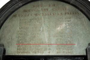Lapide coi nomi dei caduti