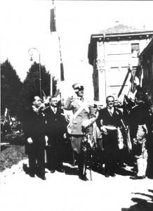 (*) Arrivo del Principe  al monumento