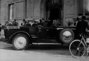 (*) Il Principe Umberto all'arrivo in ospedale