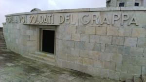 Ossario Grappa Tomba Generale Giardino