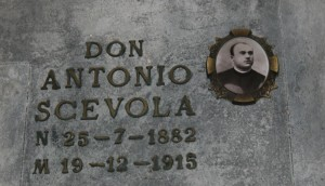 Tomba Scevola nel cimitero di Gambolò