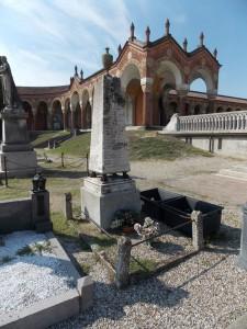 Lapide commemorativa dei militari sepolti