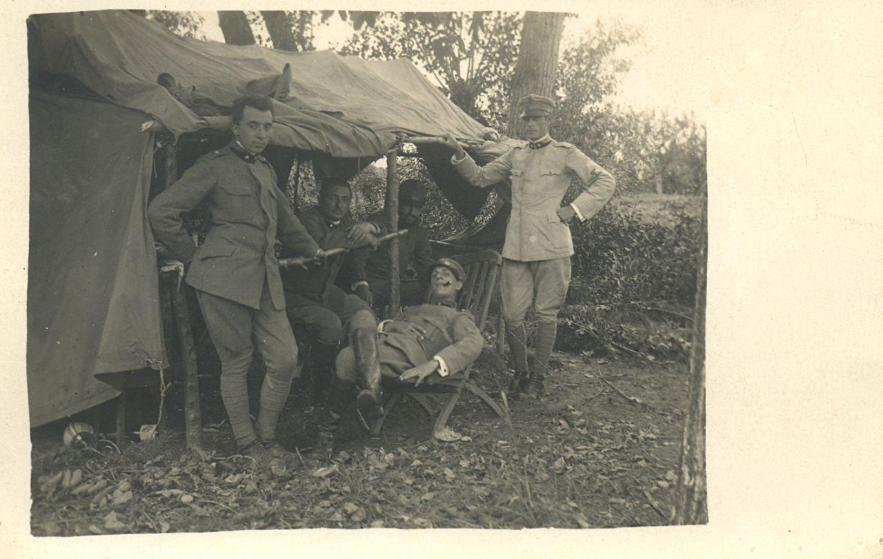 tenente-luigi-mussini-in-una-pausa-di-servizio-2
