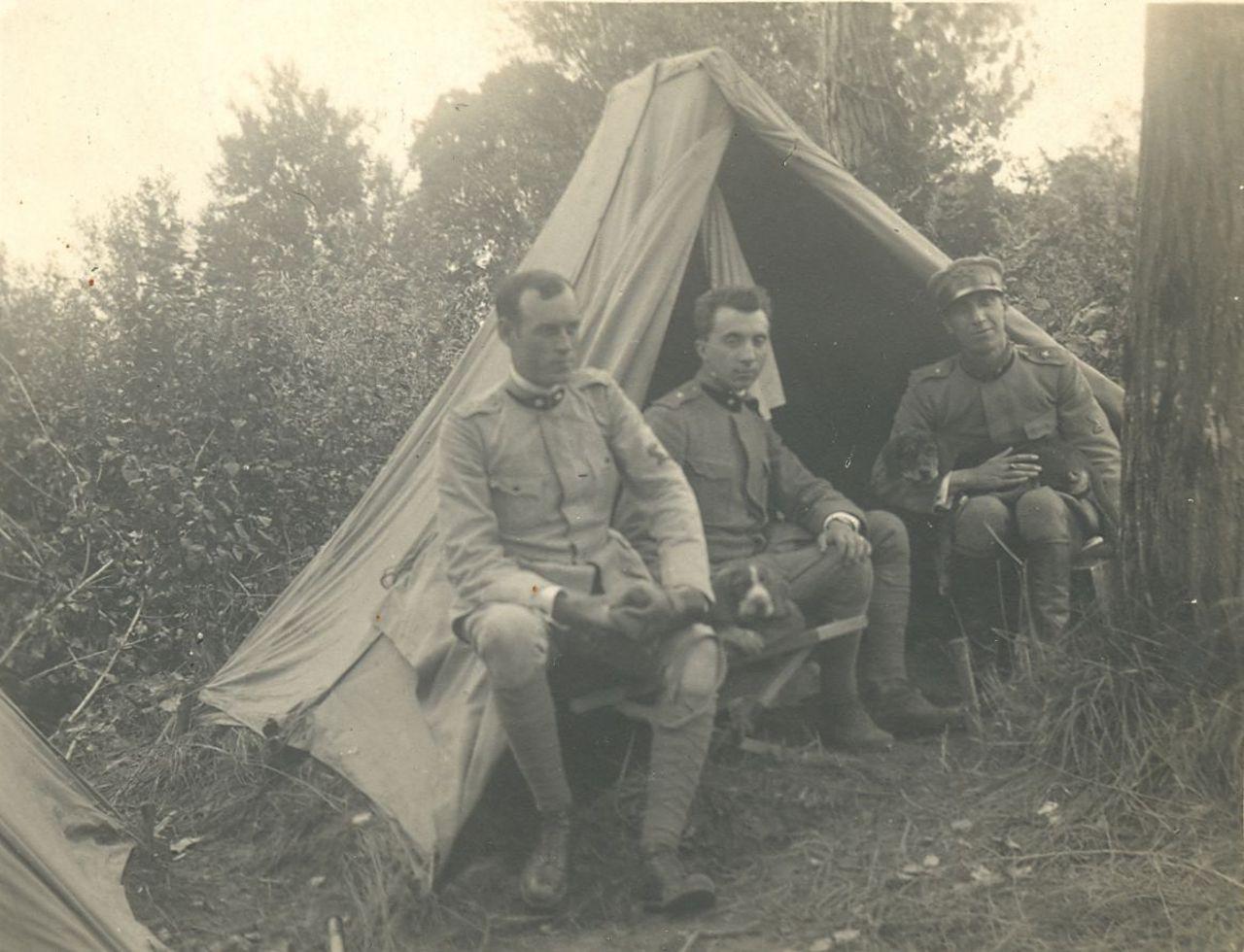 tenente-luigi-mussini-in-una-pausa-di-servizio