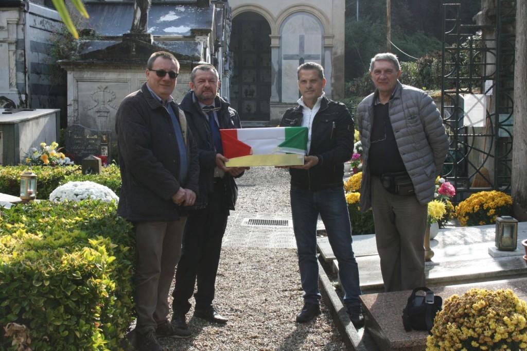 La consegna ufficiale dei resti di Saino Vincenzo